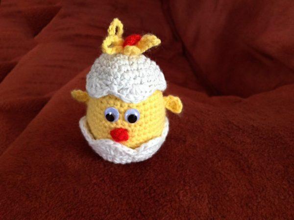 Pletená hračka žlté kuriatko vo vajíčku - Anna Mokrá | Hendikup