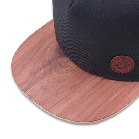 Čierna šiltovka s dreveným šiltom – Aromatic | Hendikup