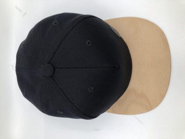 Čierna šiltovka s dreveným šiltom – Zebrano | Hendikup