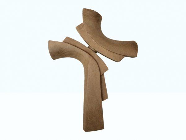 Ručne vyrezávaný krížik z dreva orech svetlý | Hendikup