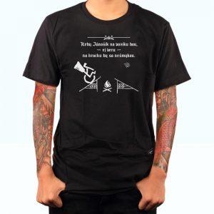 Ćierne tričko jánošík s nápisom Keby Jánošík na vozíku bou, ej veru na hrachu by sa nešmykou | Hendikup